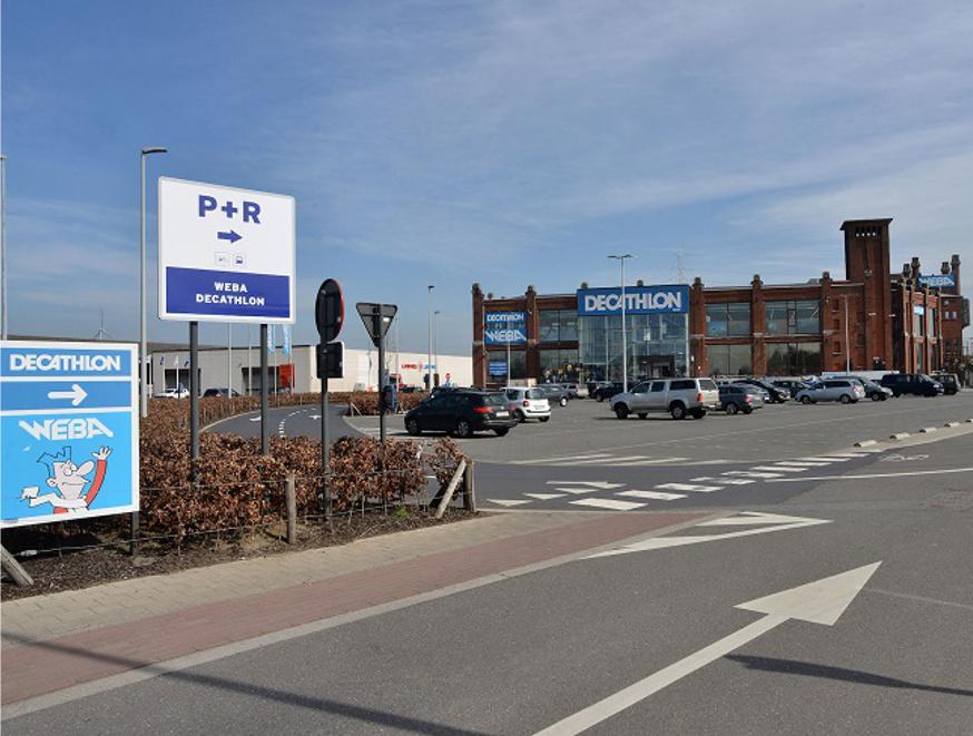Decathlon en Weba stellen parking open voor P+R (www.madeinoostvlaanderen.be - 31 maart 2017)