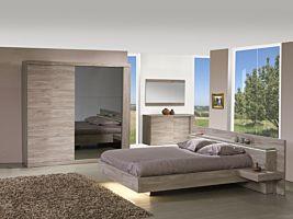 Slaapkamer met bed 160x200cm - kleerkast 220cm