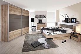 Slaapkamer met bed 140x200cm - kleerkast 271cm