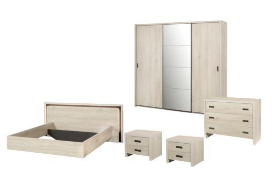 Slaapkamer met bed 180x200cm - kleerkast 245cm