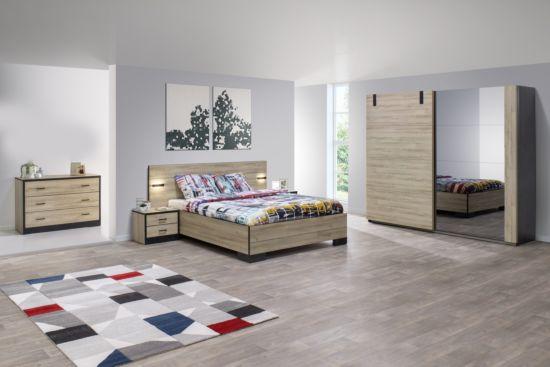 Slaapkamer met bed 160x200cm - kleerkast 245cm