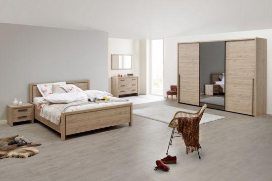 Slaapkamer met bed 140x200cm - kleerkast 283cm